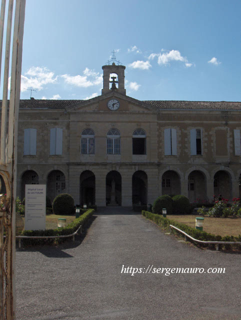 clocher-chateau-comte-armagnac-lectoure-serge-mauro