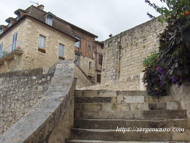 escaliers-fontaine-diane-lectoure-serge-mauro