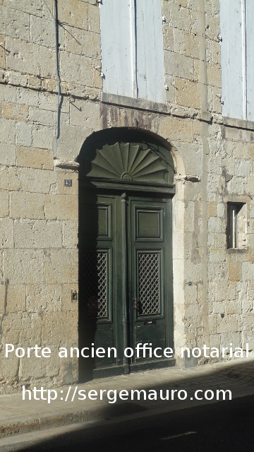 porte-ancien-notaire-rue-nationale-lectoure-serge-mauro